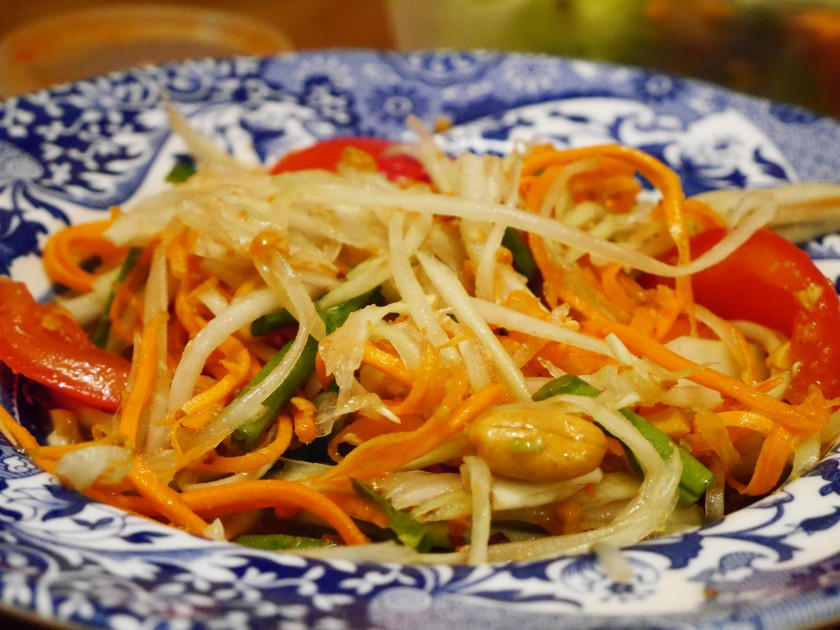 Vegan Som Tum (Papaya Salad)