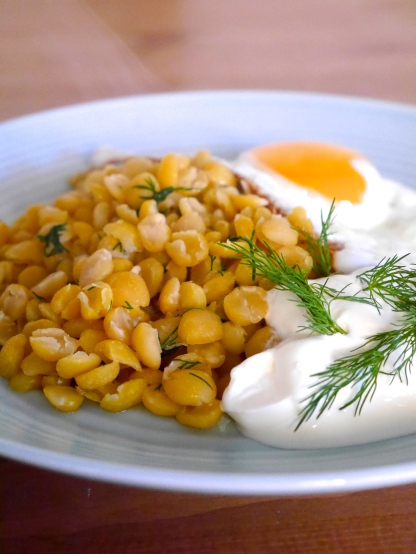 Breakfast Split Peas with Fried Egg, Soured Cream and Dill