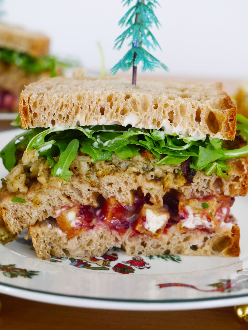 veganchristmassandwich2.jpg